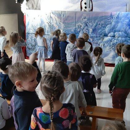 """Rikko lelles šoreiz pie mūsu pirmsskolas vecuma bērniem viesojās ar izrādi """"Sniegavīra sirds"""""""
