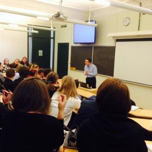 """""""Debate leader school"""" - ученики учатся дебатировать"""